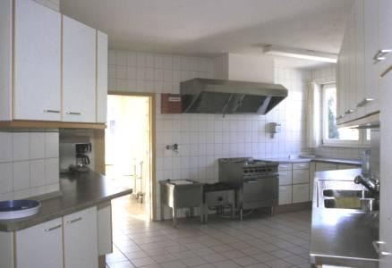 Gemeindehaus innen und außen